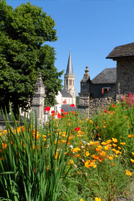 Visite-découverte du village fleuri / Saint-Salvadou / samedi 2 juin de 14h30 à 18h30